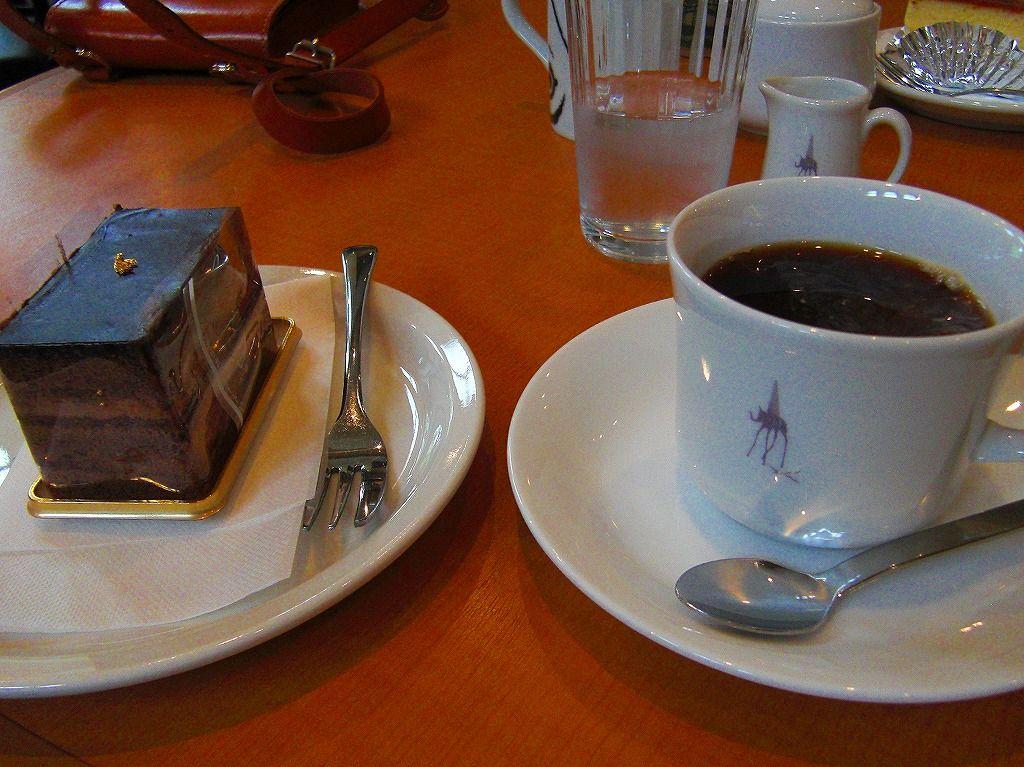 カフェやショップも充実の「諸橋記念美術館」