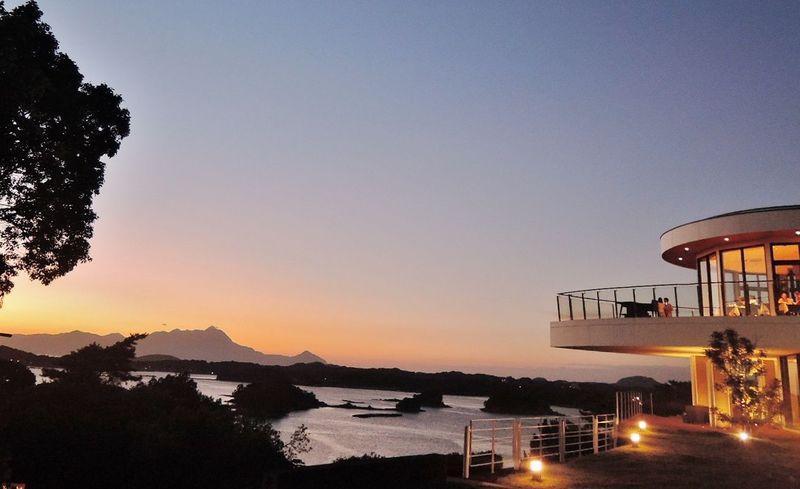 絶景!日本の夕陽百選を天空から船旅気分。天草「天空の船」