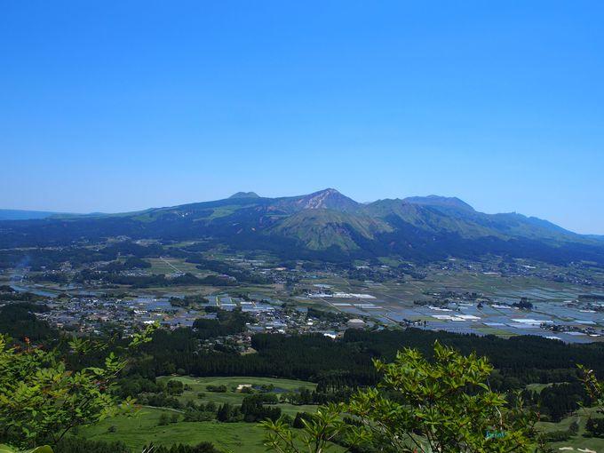 「免の石」近くの展望場所からはご褒美のような景色!