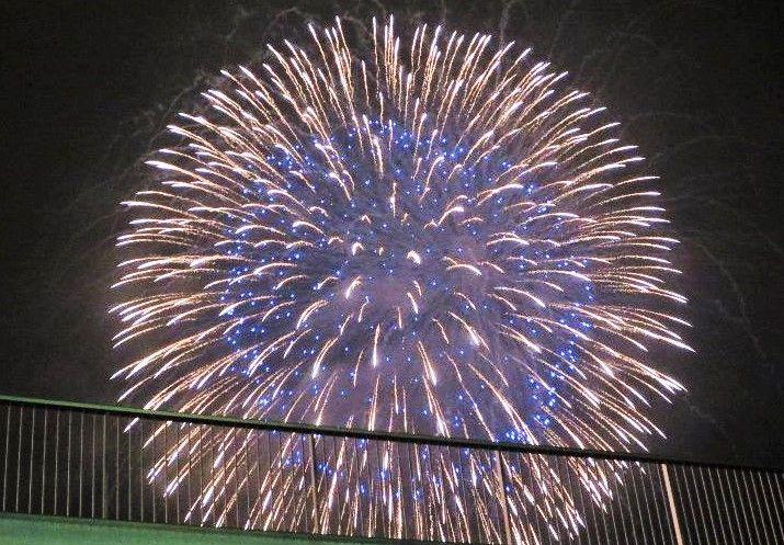街のどこからでも観ることができる、豪華花火大会!