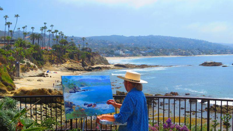 芸術家が愛するカリフォルニア・ラグナビーチで散歩の達人!