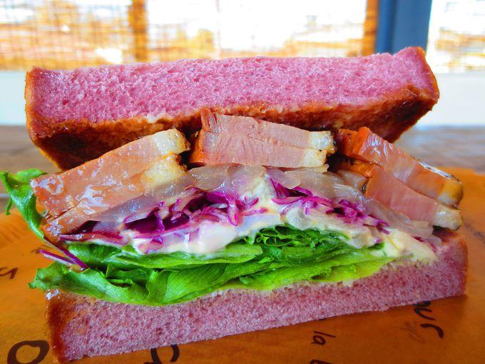 食への情熱がギュッと詰まった、ご馳走サンドイッチ