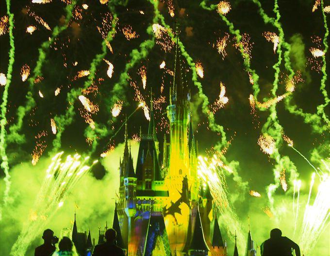 ああーっ!お城が燃えてしまいそう!!迫力の悪役シーン