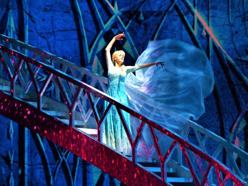 世界でココだけ!ミュージカル版『アナと雪の女王』はカリフォルニア ディズニーランド・リゾートで観劇