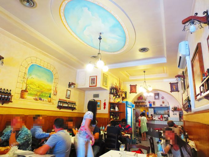 ドゥオモ至近なのに激安!地元民愛用の素朴な食堂「ZIO gigi」