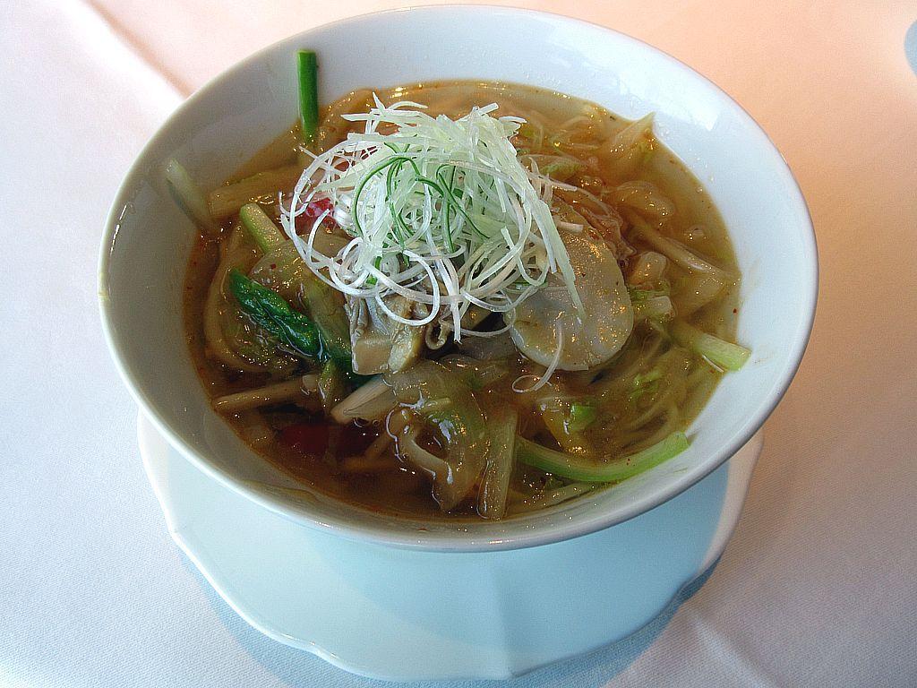 点心や中華麺まで和との融合