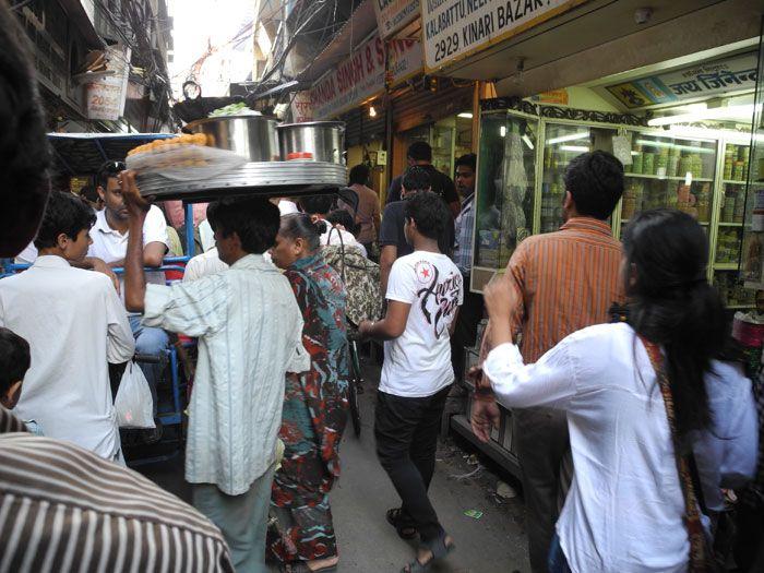 インドを体感!エネルギッシュな街・オールドデリーで一番の繁華街はここ