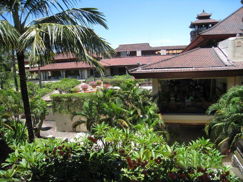 バリ島ヌサドゥアの老舗5つ星ホテル「ヌサドゥアビーチホテル&スパ」