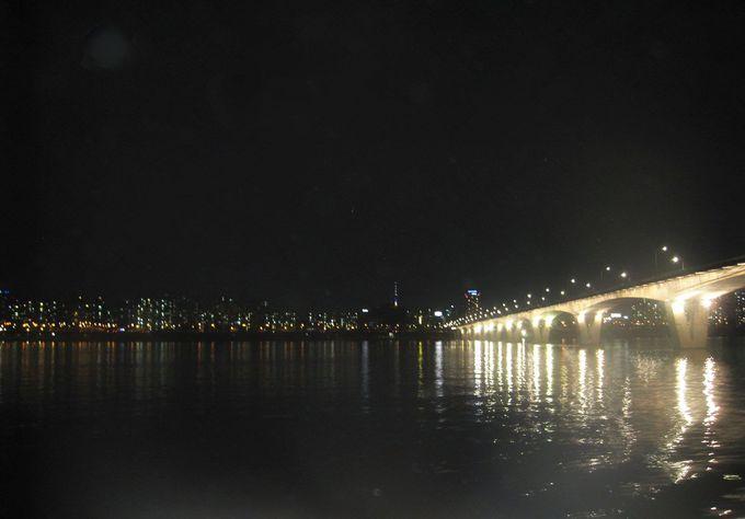 ソウルのランドマークが次々と現れるパノラマ夜景