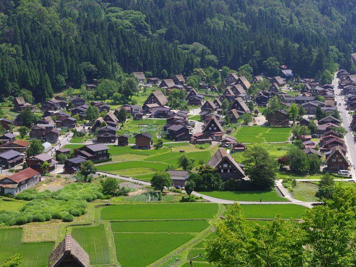 世界遺産・白川郷と五箇山の合掌造り−日本の懐かしい原風景を求めて