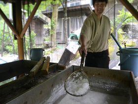 温泉から採れる幻の塩!?長野・鹿塩温泉「山塩館」で山塩料理を堪能|長野県|トラベルjp<たびねす>