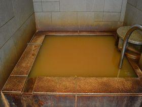 福岡・門司「MOJI PORT」は泊まるとタダで入れる赤い温泉がインパクト大!|福岡県|トラベルjp<たびねす>