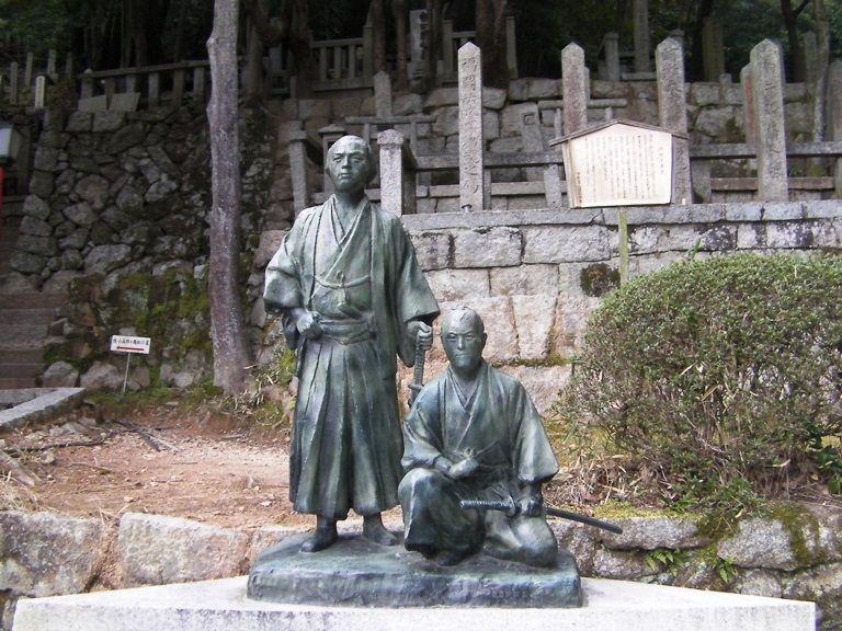 維新の志士が眠る聖地!「京都霊山護国神社」を歩く