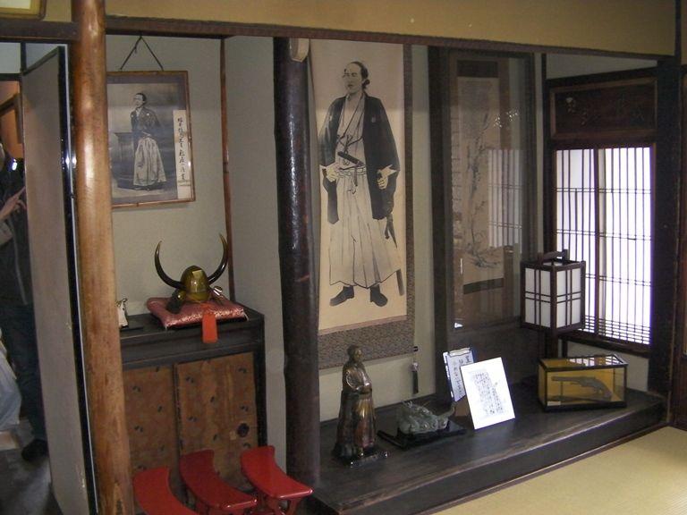 伏見稲荷大社から京阪電車15分+徒歩5分:寺田屋