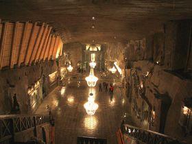 まるで地底探検!世界遺産ポーランド・ヴェリチカ岩塩坑の塩でできた礼拝堂見学ツアーがすごい!