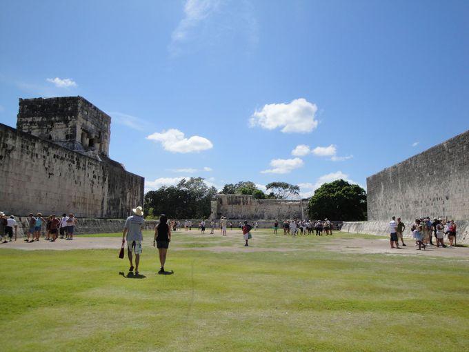 メソアメリカ最大!マヤ遺跡の多くに存在する「球戯場」