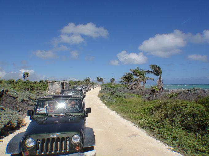 ジープで体験!カリブ海岸線沿いをドライブしながら向かう世界遺産