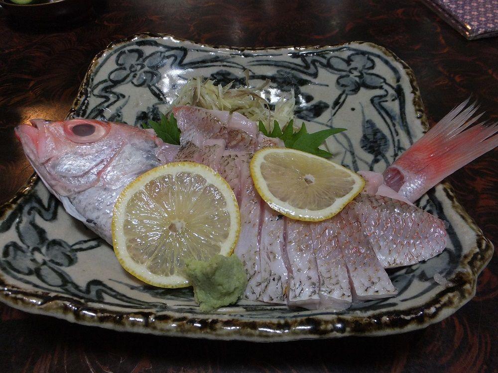 輪島の静かな夜にたたずむ割烹「名月」で里海の味を堪能