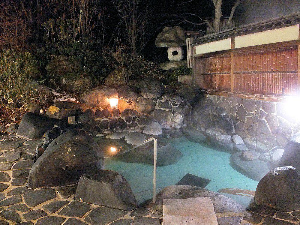 無料送迎バスで湯ったり湯めぐり!「草津温泉ホテルリゾート」
