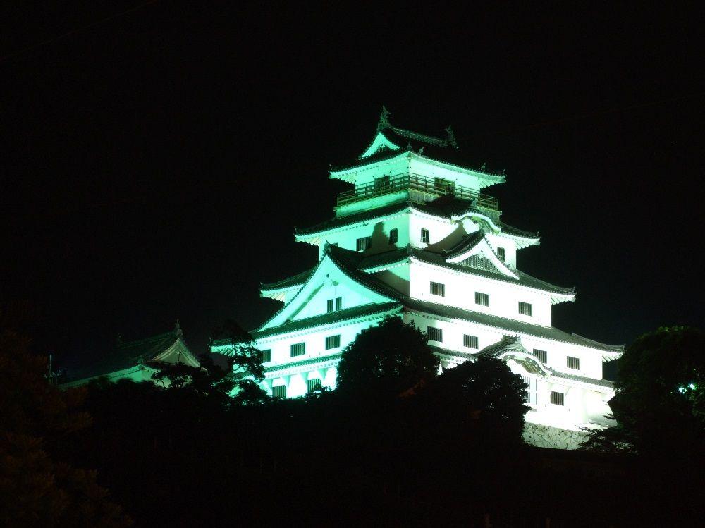ライトアップも!佐賀の隠れた名城・唐津城の美しさに括目せよ