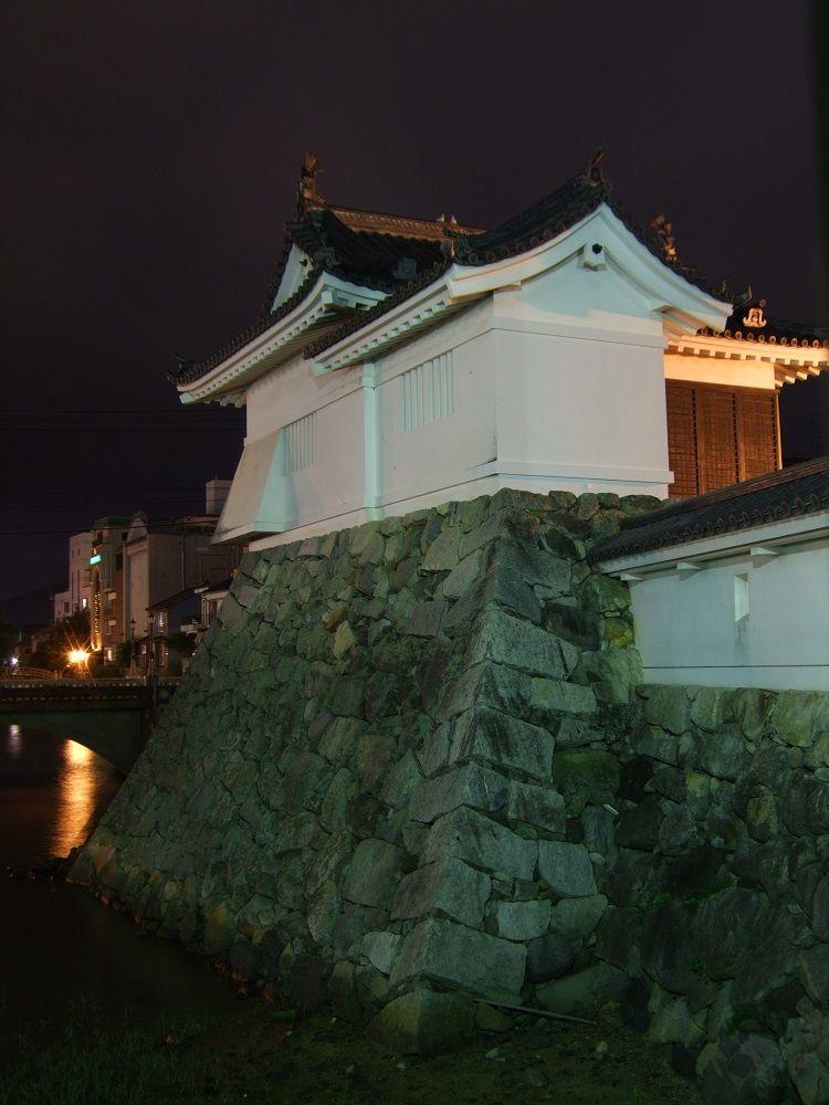 夜の散策も楽しい!唐津城の面影を訪ねる