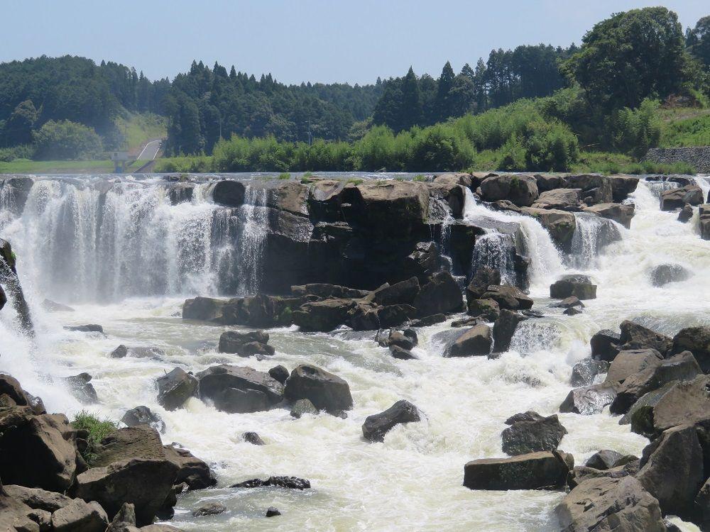 優美!!東洋のナイアガラ・曽木の滝