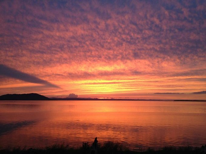 サロマ湖を染める絶景の夕日