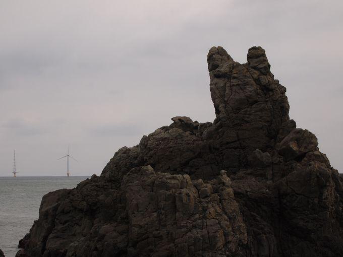 源義経にまつわる伝説をもつ奇岩『犬岩(いぬいわ)』