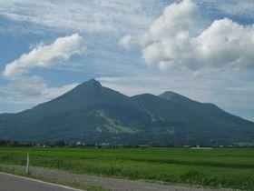 磐梯山の麓(ふもと)で遊ぼう!!〜新緑から夏の季節におすすめ、森林浴と湖水浴〜