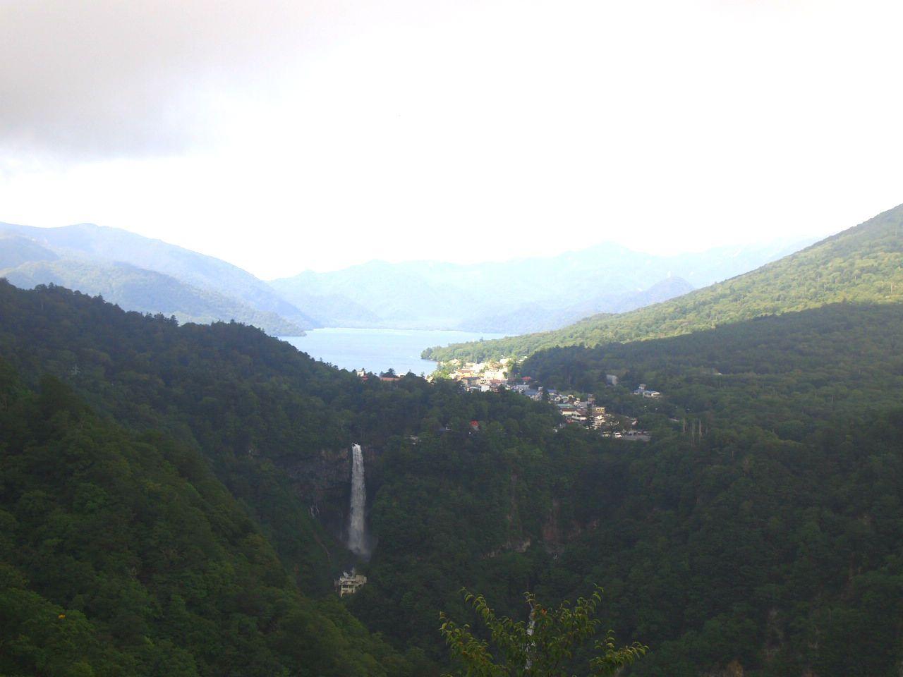 明智平展望台から見る華厳の滝と中禅寺湖のコラボ!!