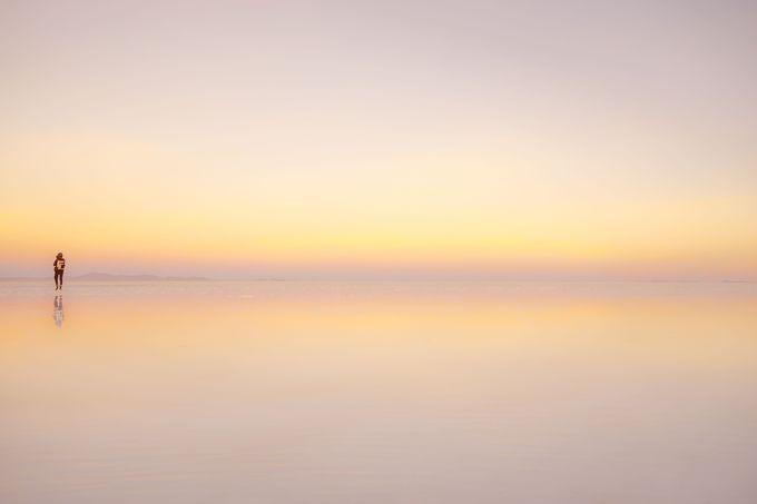 雨季のウユニ塩湖がみせる鏡張りの世界