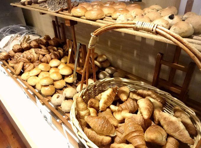 「クロワッサン」や「箱根山 龍神あんぱん」が朝食ビュッフェに登場!