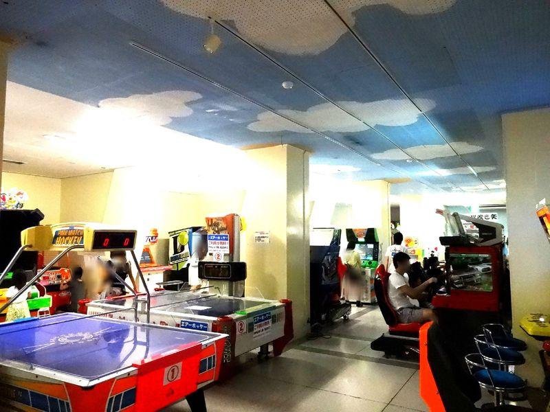 ゲームも卓球も無料!入城者遊び放題の「熱海城」地下が凄い!
