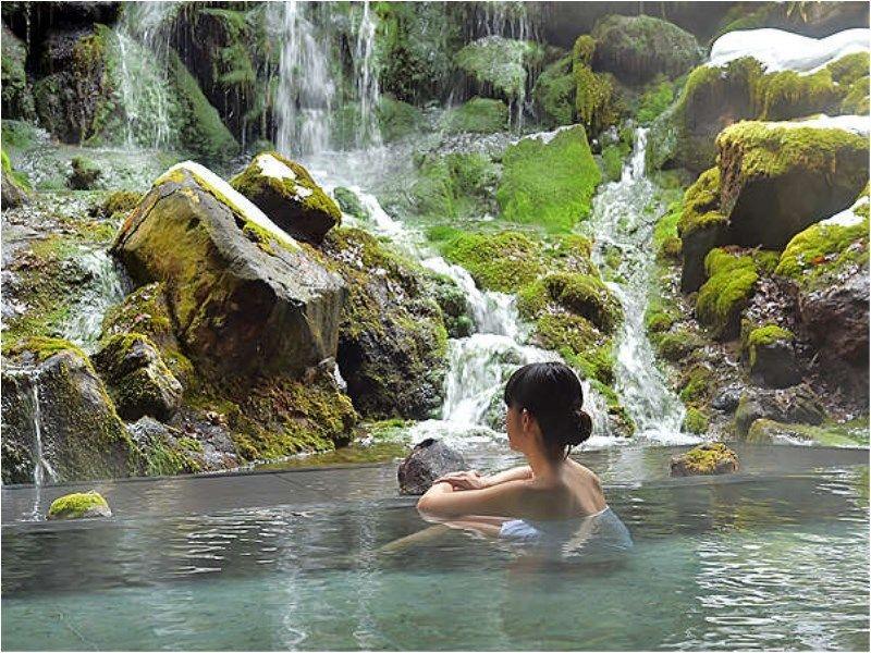 多彩な温泉