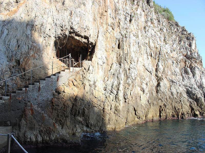 エメラルドの洞窟への行き方