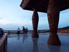 チェンマイでピカイチの絶景!「ドイ・ステープ寺院」からみる朝日が幻想的なまでに美しい