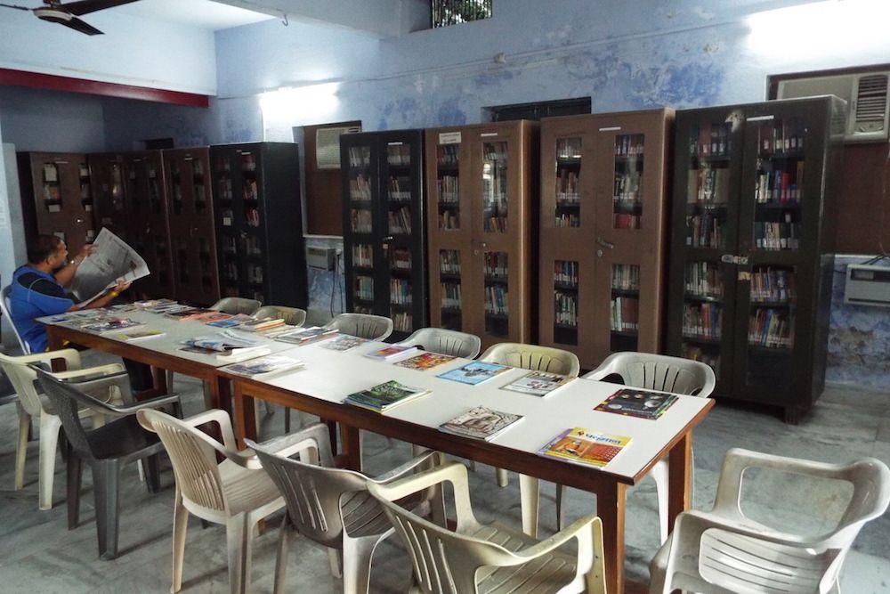 ヨガ関連書籍が充実した図書館