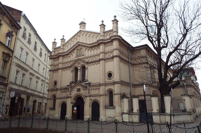 ポーランドの古都・クラクフ。そこにあるユダヤ人居住区が、再開発でおしゃれエリアに!