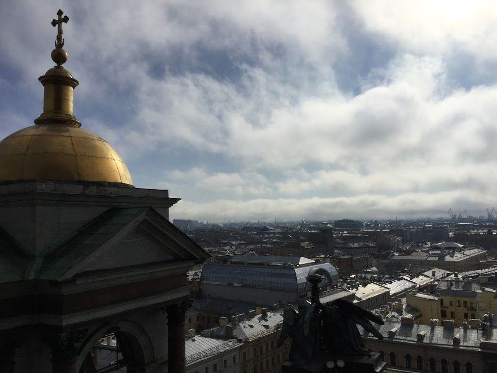 展望台から街の風景が一望できる