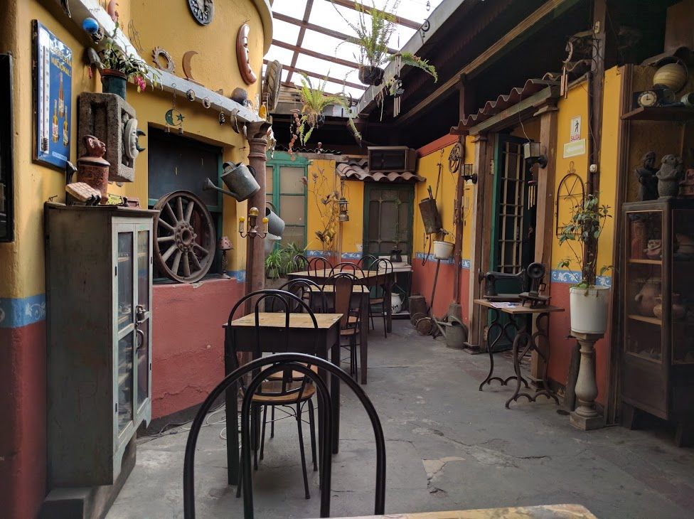 5、まるでミュージアムのような「Cafe Museo La Luna」
