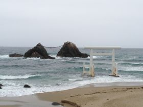 竜宮城の入り口?福岡県にある伊勢神宮と夫婦岩の謎!