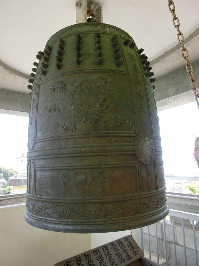 その重量、約3.3トンの大梵鐘