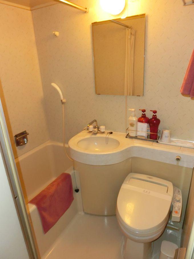 充分な広さの浴室とアメニティーグッズ