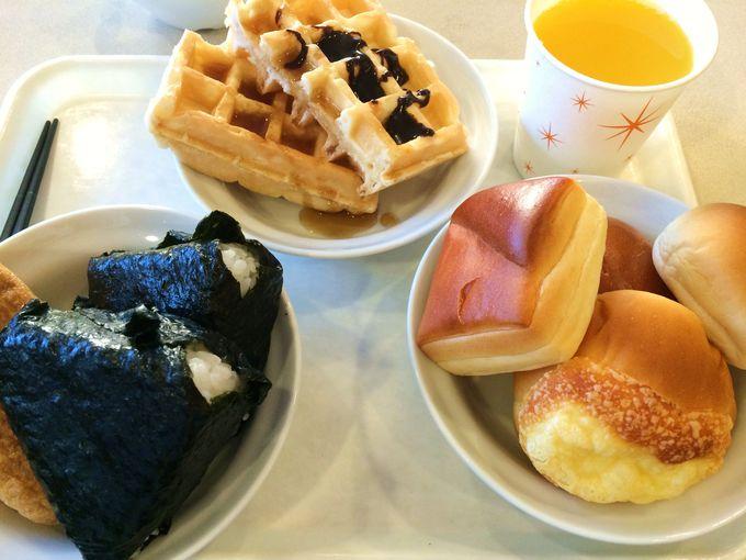 """「無料朝食バイキング」のオススメ""""ワッフル"""""""