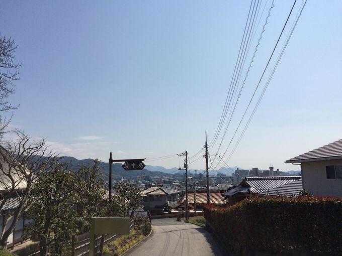 「其中庵」からの町並みと「種田山頭火」の関連スポット
