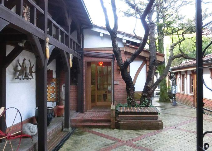 「マヂエル館」宮沢賢治の直筆原稿と柚木沙弥郎の型染絵