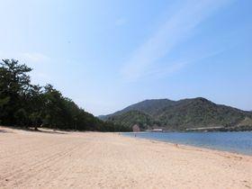 白砂と敦賀湾の色彩!三大松原の一つ福井県敦賀市「気比の松原」
