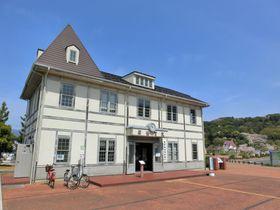 資料館から赤レンガ倉庫のレストランも!福井・敦賀「金ヶ崎緑地」