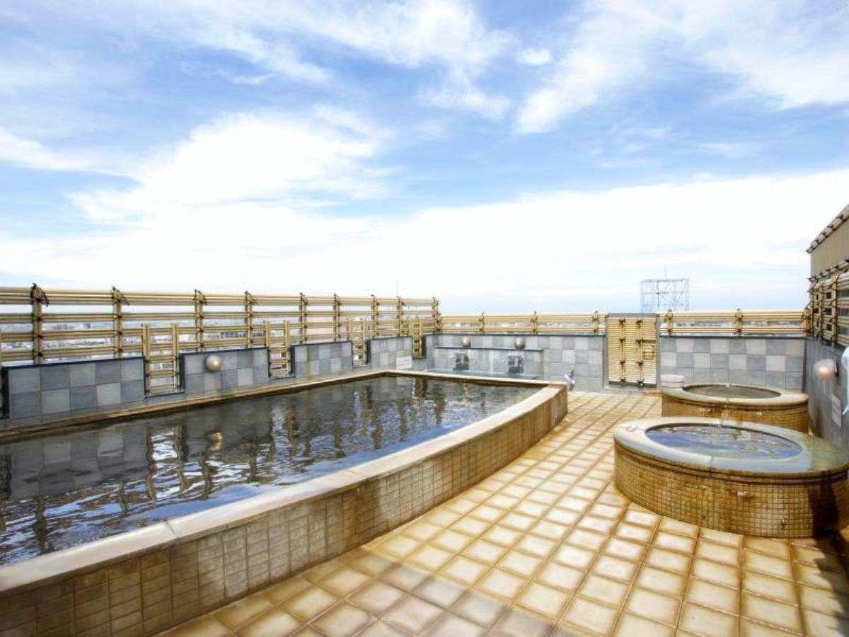 最上階にある天然温泉・展望露天風呂