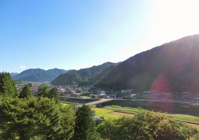 小京都・津和野の町並みと大自然の眺望。そして、蒸気機関車